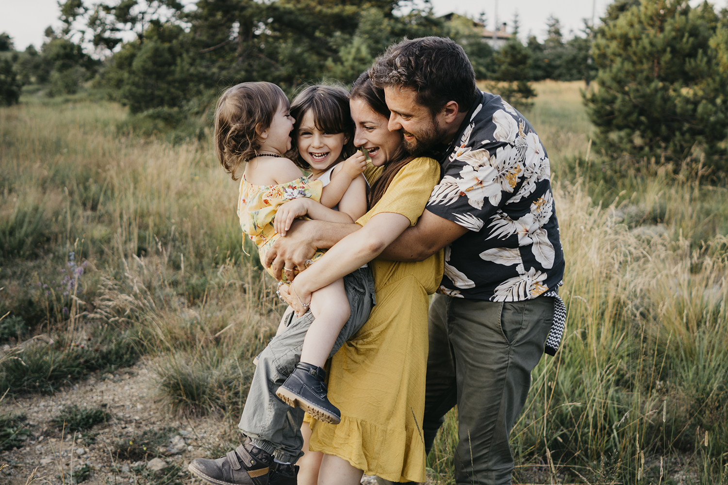 lovephotoexperience. Family outdoor photo session in Genova. Family lifestyle photographer Liguria. Family lifestyle photoshoot. Family photographer in Italy.